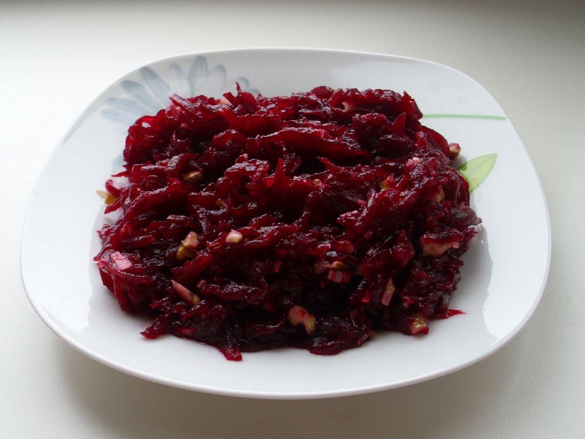 быстрые рецепты салатов с фото из колбасы
